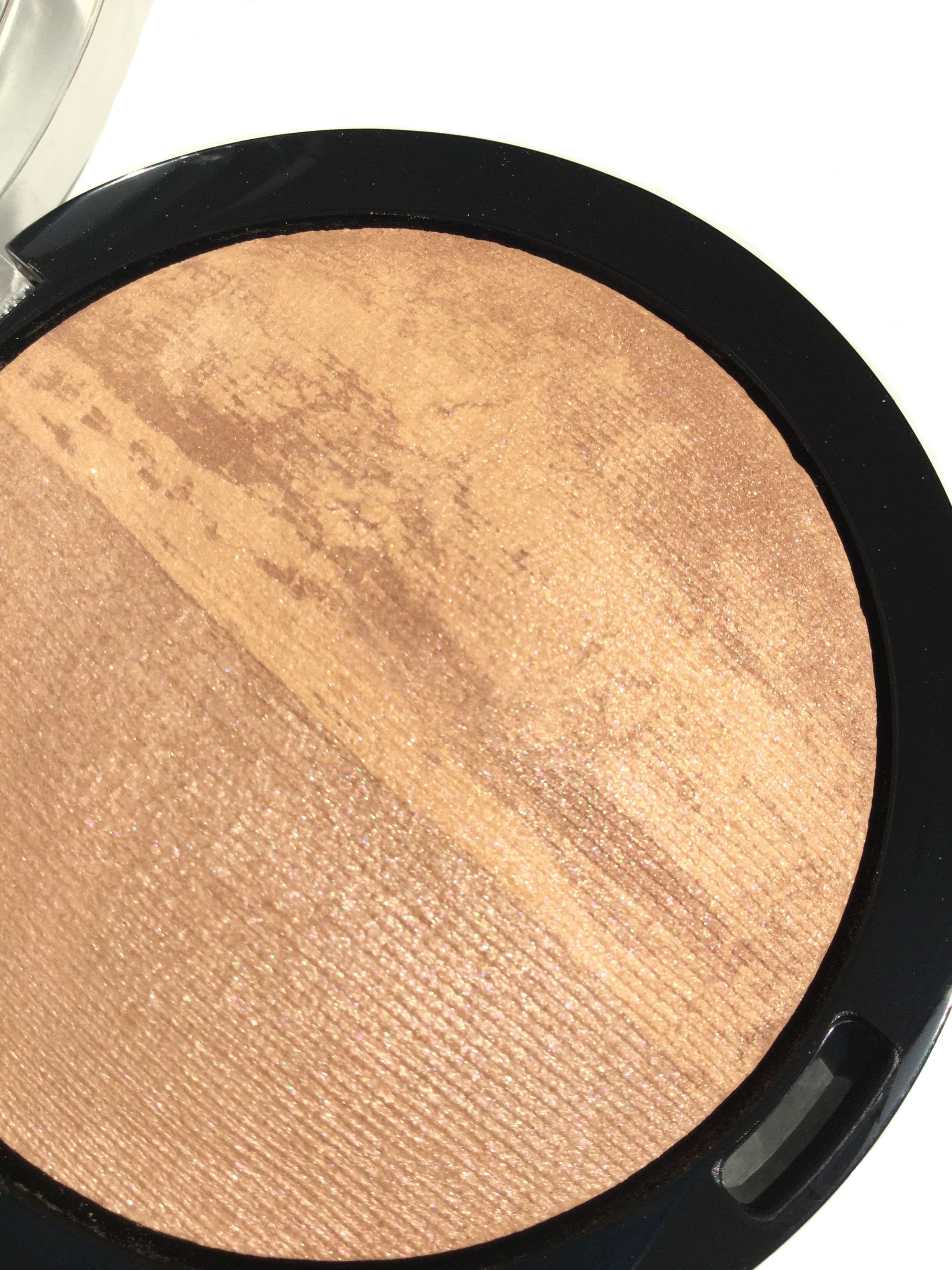 Bronzer close up.jpg